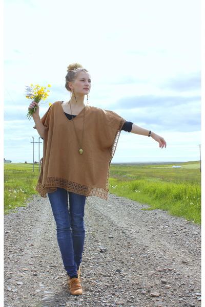 navy H&M jeans - bronze cotton H&M cape - bronze new look flats