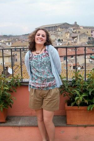 light brown Zara shorts - sky blue Camaïeu blouse - Accessorize necklace