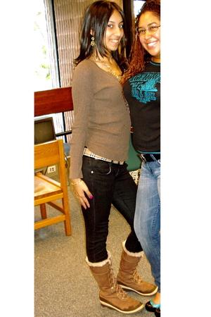 Burberry belt - Mandee shirt - Timberland boots