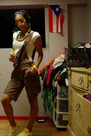 Converse shoes - Mandee shirt - 10 Spot shorts - Ray Ban sunglasses - New York &