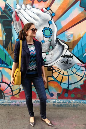 yellow byblos bag - Laundry by Shelli Segal dress - blue William Rast jeans