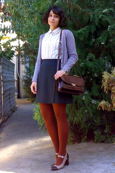 light brown leather shoes - beige thrifted shirt - burnt orange tights