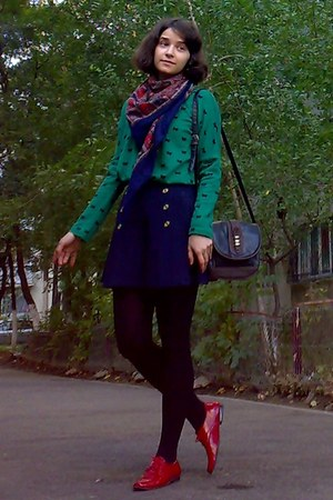 green bow printed sweater - black H&M blazer - brick red paisley thrifted scarf