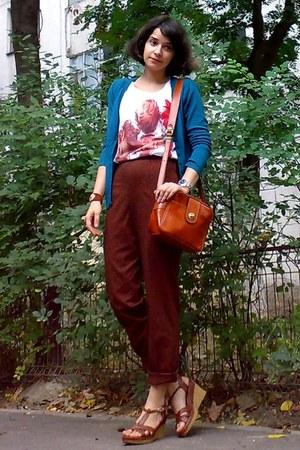 white shirt - carrot orange thrifted purse