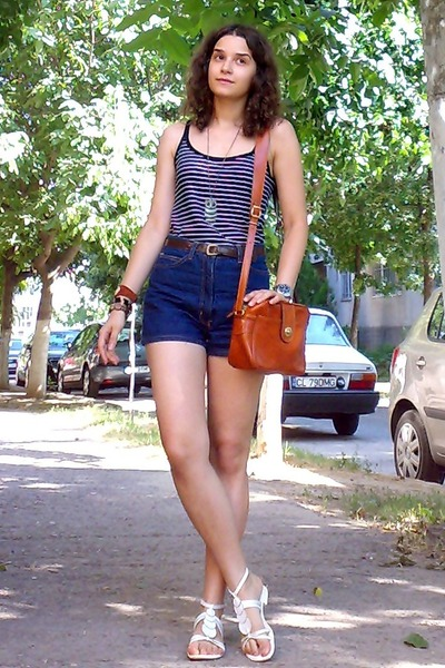 black striped H&amp;M top - tawny thrifted purse - navy thrifted shorts