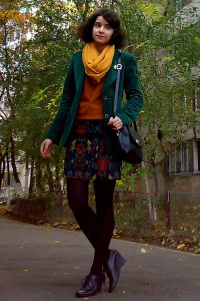 burnt orange gifted sweater - forest green velvet thrifted blazer