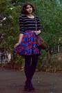 Blue-floral-thrifted-shorts-navy-tights-dark-brown-zara-purse