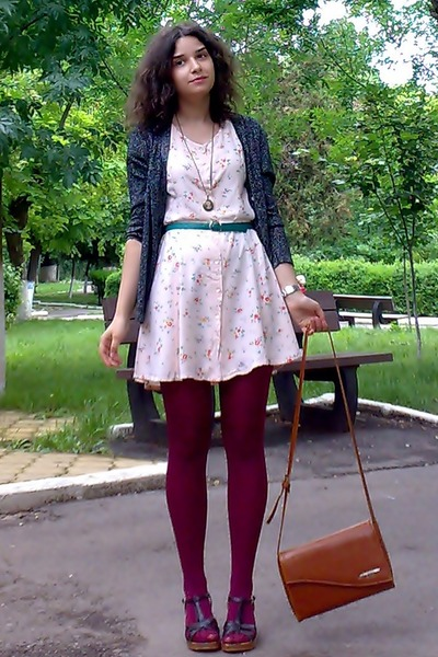 peach floral thrifted dress - maroon tights - tawny thrifted purse
