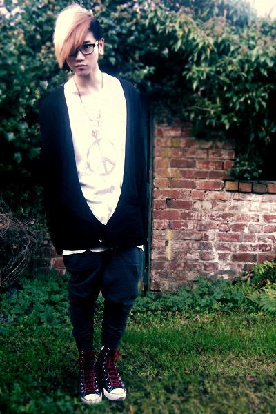 black Asos Black cardigan - black Converse sneakers