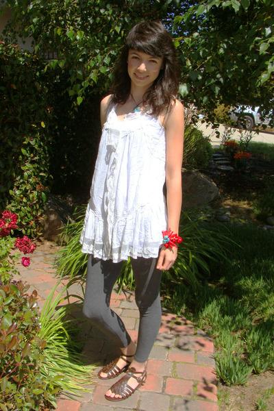 white Love 21 blouse - gray Forever 21 leggings - brown Forever 21 shoes - brown