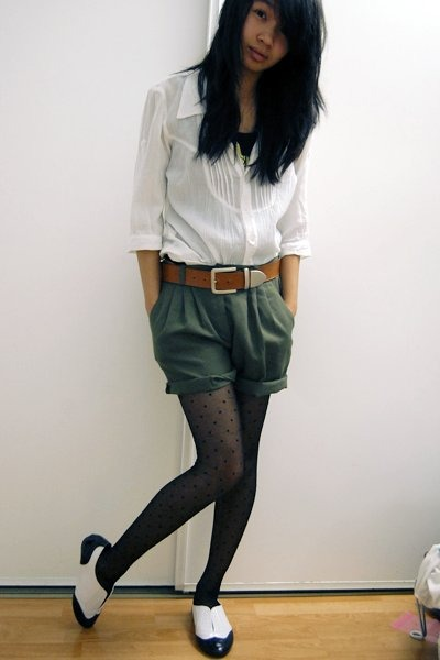 white pleated blouse - white oxfords Steve Madden shoes