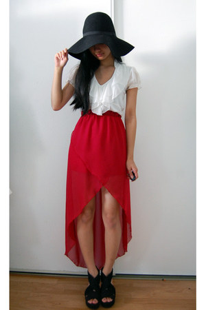 white top - black floppy H&M hat - ruby red chiffon hi-low skirt