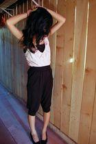 pink top - black pants - black vintage shoes