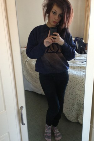 blue unknown brand jumper - black Primark jeans