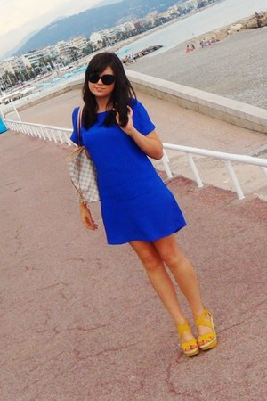 yellow Aldo wedges - blue new look dress - ivory Louis Vuitton bag