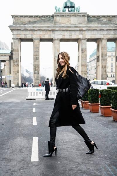 black leather Alexander Wang boots - black wool vintage coat
