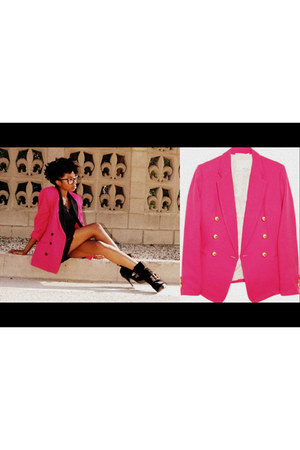 hot pink blazer - black heels - black top - black glasses