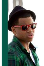 shirt - top - hat - sunglasses