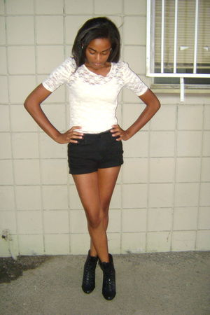 beige Forever 21 shirt - black BDG shorts - black Forever 21 shoes
