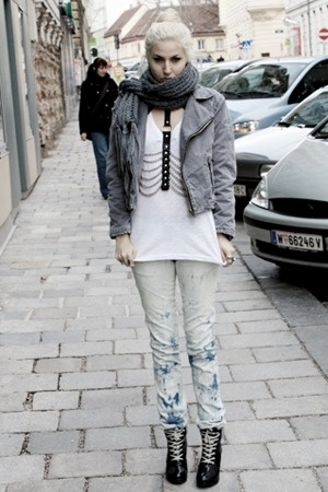H&M shoes - Zara jeans - Ebay jacket - H&M shirt - H&M scarf
