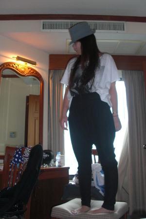 lucky find hat - Zara pants