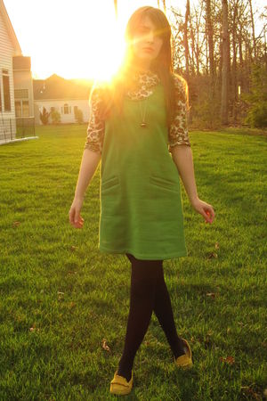 green courtesy of Modcloth dress - yellow thrifted shoes - black HUE tights - wh