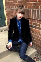 Black-vintage-blazer-blue-vintage-shirt-blue-madewell-jeans-black-steve-ma