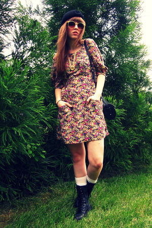 purple  dress - black vintage hat - black Steve Madden boots - gold vintage via