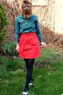 Red-thrifted-vintage-skirt-green-vintage-shirt-gold-rockpapersilver-necklace