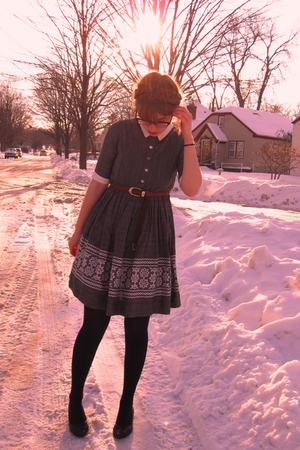 gray vintage dress - brown thrifted belt - blue HUE tights - brown miz mooz shoe