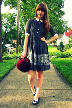gray vintage dress - red thrifted vintage hat - blue thrifted vintage shoes - bl