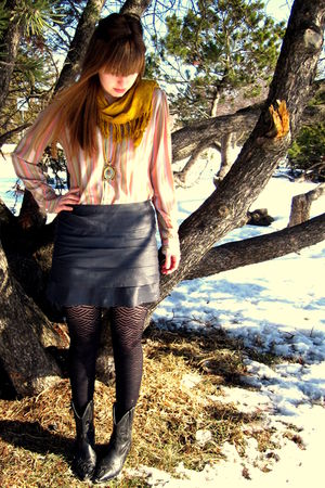 gray Forever 21 skirt - pink vintage shirt - gold thrifted scarf - gold vintage