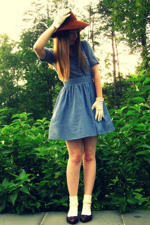 brown vintage hat - brown miz mooz shoes - blue H&M dress - white Target socks