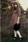 Black-vintage-via-estate-sale-tie-brown-zara-dress-white-target-socks-blac