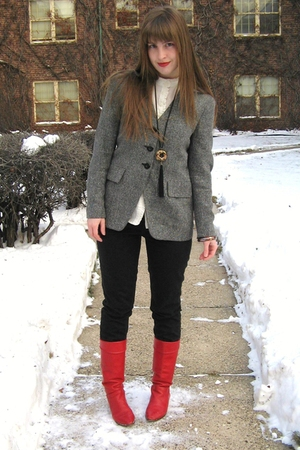 red vintage boots - black vintage necklace - black madewell jeans - gray Vintage
