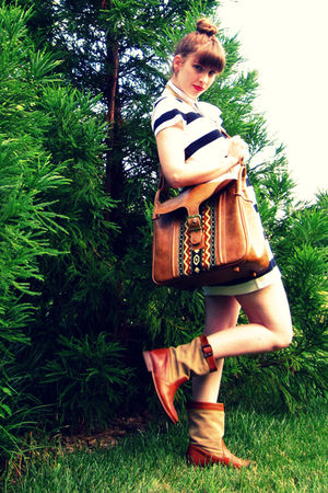 brown Frye boots - brown vintage thrifted purse - white H&amp;M dress - white vintag