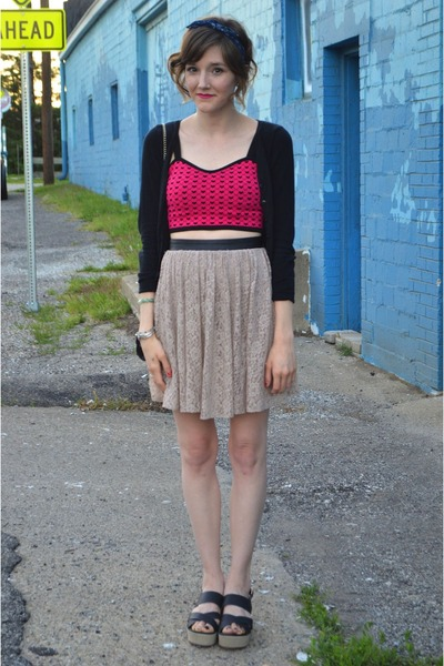 hot pink Forever 21 top - beige skirt - beige Urban Outfitters sandals