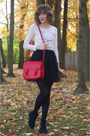 light pink H&M top - black ankle H&M boots - red Forever 21 bag