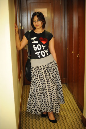 black Home Is Where the Heart Is shirt - black Zara bag - silver Miss Poem skirt