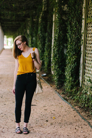 madewell jeans - mustard banana republic top - percey Warby Parker glasses