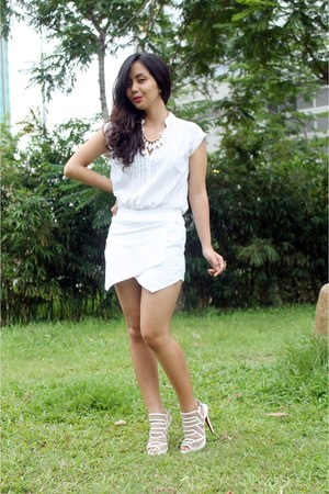 white skort iFassion shorts - white Zara top - white janilyn heels
