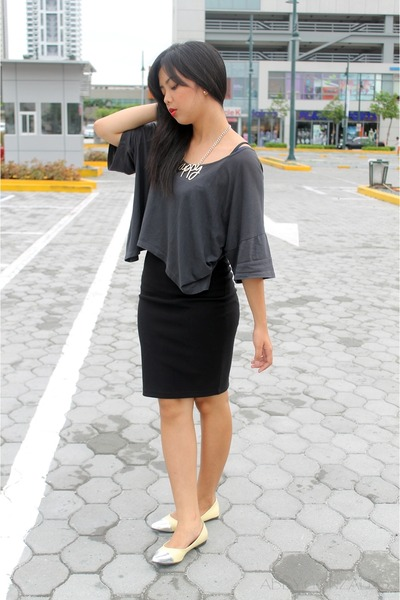 neutral Wilson accessories - charcoal gray Glamour top - black Forever 21 skirt