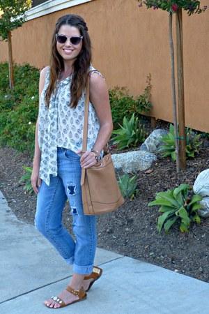 printed Downeast Basics top - boyfriend Jessica Simpson jeans