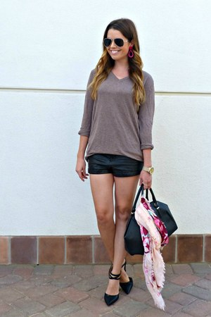 leather H&M shorts - v-neck H&M sweater - floral H&M scarf - bowler Zara bag