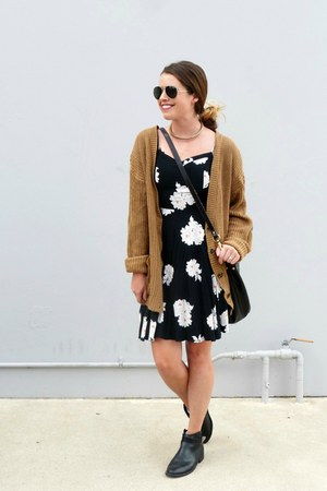 camel Forever 21 cardigan - chelsea H&M boots - floral Old Navy dress