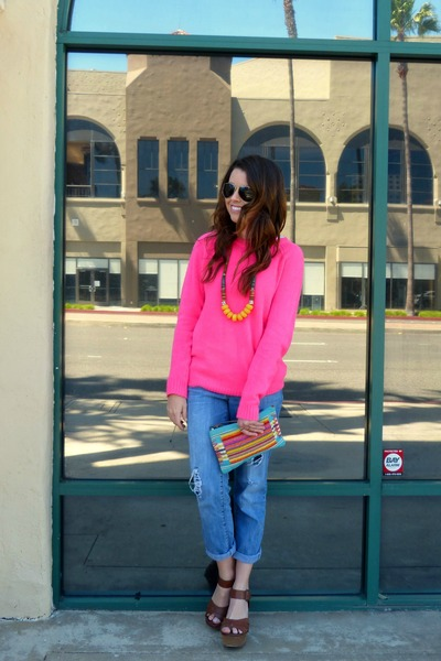 neon pink Forever 21 sweater - boyfriend jeans Jessica Simpson jeans