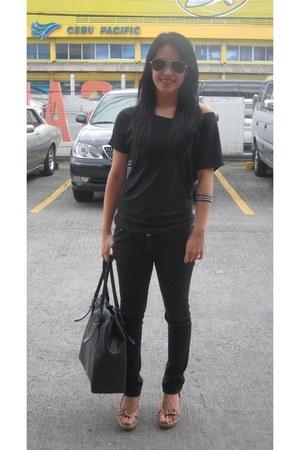 black F&H jeans - black Aldo bag - black top - floral Steve Madden wedges