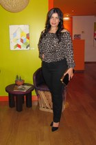 black Old Navy jeans - Express blouse - black Aldo pumps