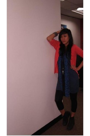 blue Folded and Hung top - blue sm dept store scarf - pink blazer - black leggin