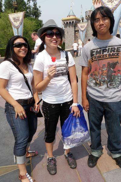 24b17c0fac05 black pants - white Vans t-shirt - silver Disneyland hat